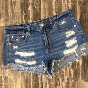AE size 6 distressed jean shorts
